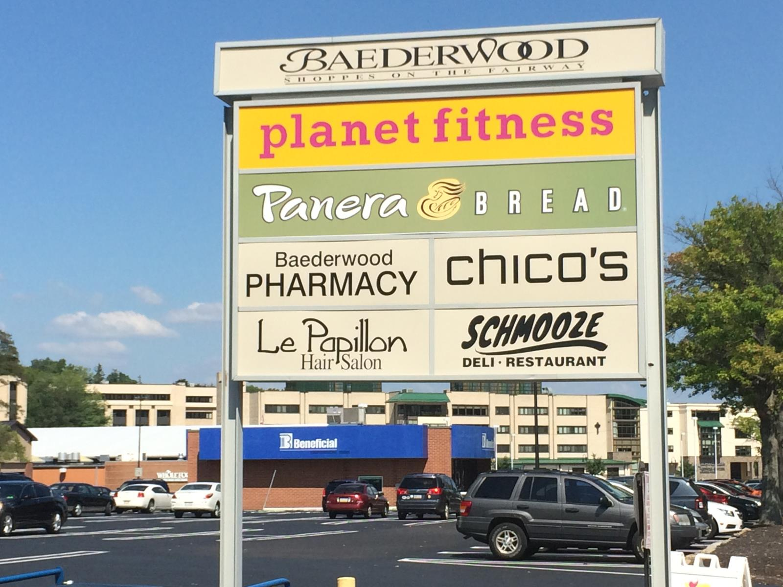 Baederwood Sign