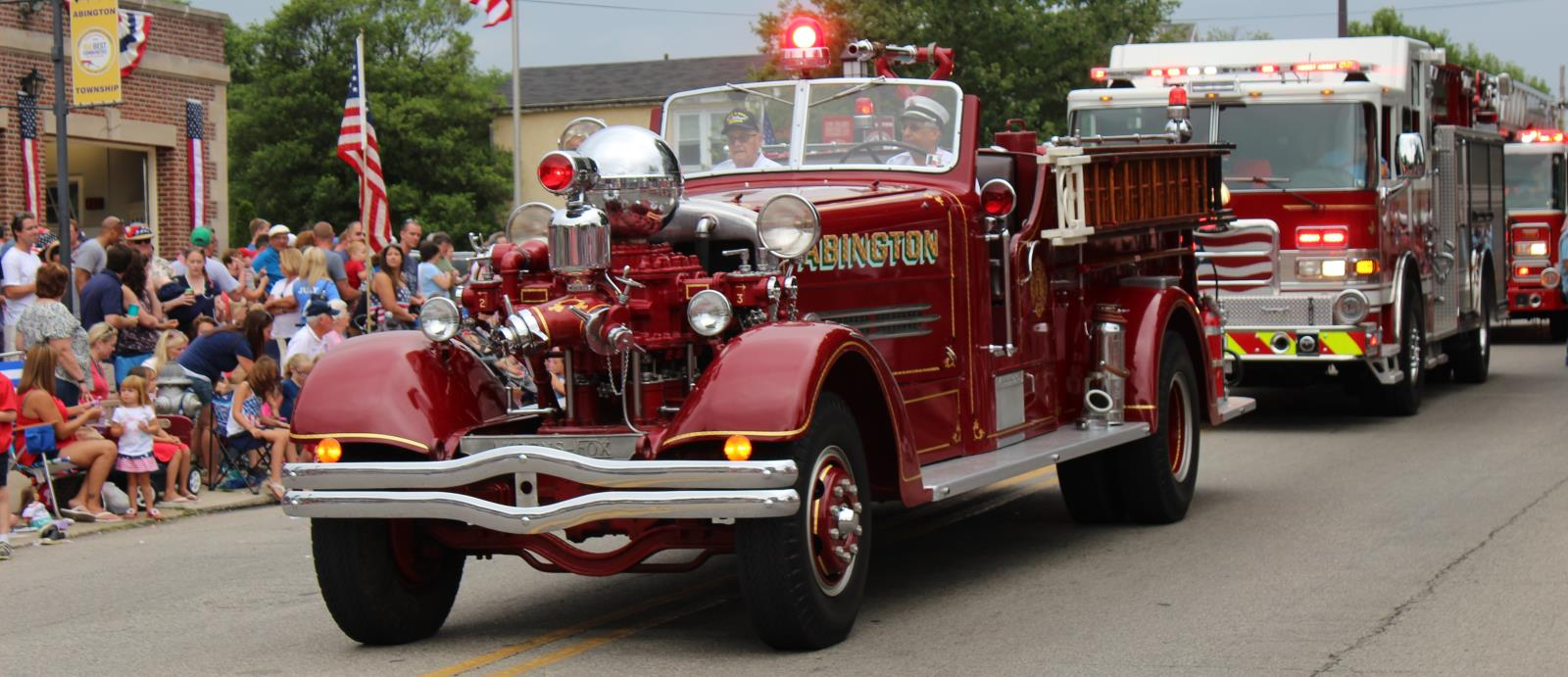 2016 Parade antique fire truck