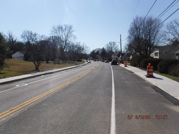 Traffic shift to the middle of Tyson Ave. between Ardsley Ave. And Edgecomb Ave. looking west